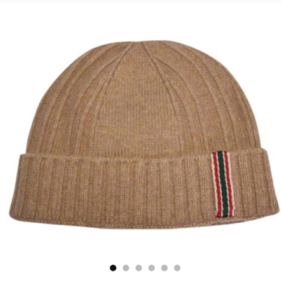 Gently  Authentic GUCCI cashmere beanie ski hat size L on feet at 9b7fe  3ce49 ... ce23c45a3eab